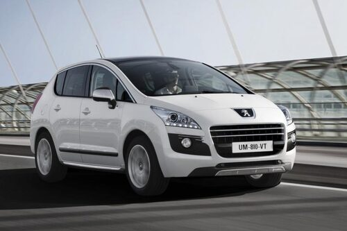 Peugeot 3008 Hybrid4 (elhybrid, diesel) Klicka på pilarna för resten av listan.