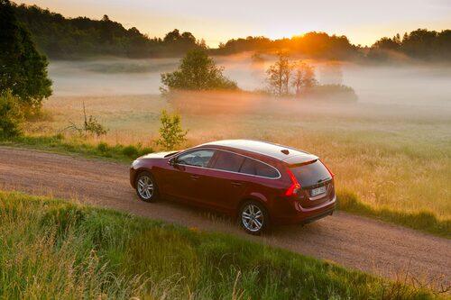 Volvo V60 (etanol + laddhybrid, diesel)  Klicka på pilarna för resten av listan.