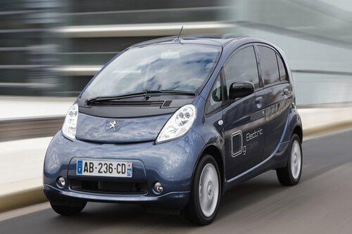Peugeot iOn (elbil) Klicka på pilarna för resten av listan.