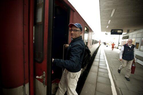 Mikael Stjerna, stjärnreportern som alltid är på språng i jakt efter nya bilfynd i Europa.