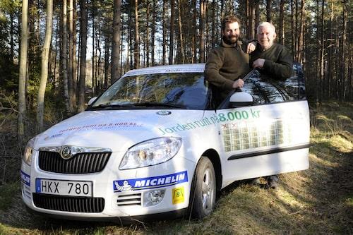 Fredrik och Alf Persson är redo att ge sig ut på sitt livs äventyr tillsammans.