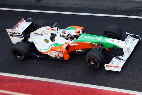 """Force Indias bilar sticker ut med sin """"cleana stripning""""."""