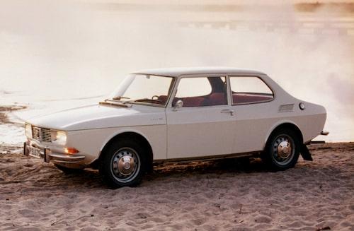 Saab 99 marknadslanserades 1968, då endast i tvådörrars sedanutförande.