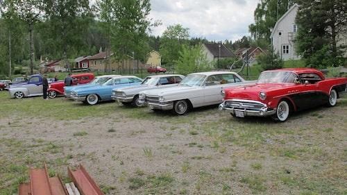 Många har valt att komma hit med sina egna hobbybilar.