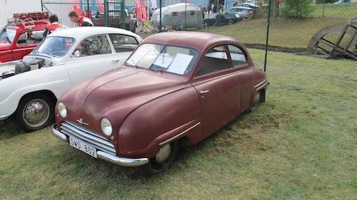 Mycket äldre än så här blir det inte sett med Saab-ögon. Här en 92B De Luxe från 1955.