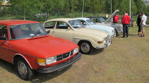 Längst bort en oerhört fint renoverad Volvo Amazon.