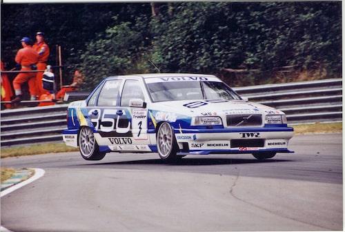 Två år senare, 1996, hade Volvo bytt ut herrgårdsvagnen till sedanversionen 850 GLT.