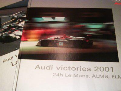 Stora och rikt illustrerade böcker om Audis LeMans-segrar 2000 och 2001.