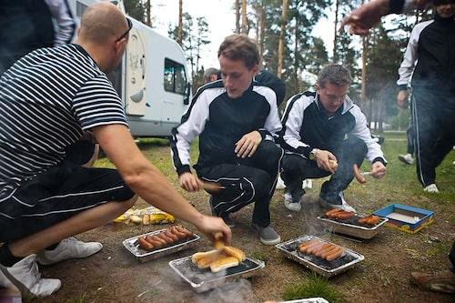 Camping och grillning hör helt klart ihop.