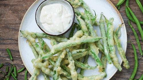Goda tempurafriterade haricot verts.