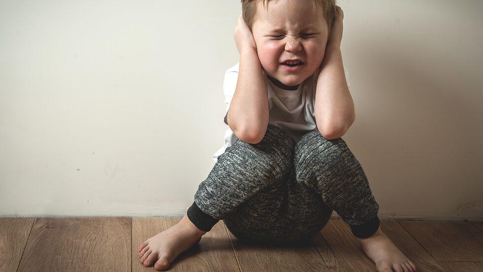 """""""Kan det vara så att vår son inte mår bra av att vi föräldrar bråkar med varandra, och att det visar sig genom att han kissar på sig?"""" Barnpsykolog Malin Bergström svarar."""