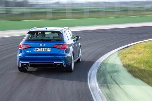 Det är den här sidan du kommer att få se mest av, när Audi RS3 Sportback kör om.
