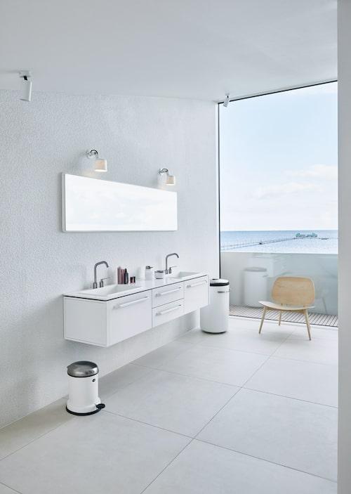 Ur Familjen bakom Vipp visar sin makalösa glasvilla – varje rum är en minimalistisk dröm, Sköna hem nr 8, 2018.