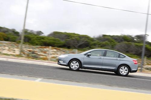 Citroën C5 kan fås med eller utan gashydraulisk fjädring.