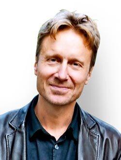 Bengt Ohlsson är författare, journalist, regissör och dramatiker. Han är pappa till tre barn. Han svarar på frågor från dig om allt som får hjärtat att värka. Har du en fråga till Bengt? Mejla till: fraga.bengt@amelia.se