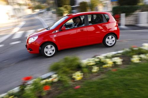 Utan ESP och med friktionsdäck på våriga vägar blir vägegenskaper undermåliga.