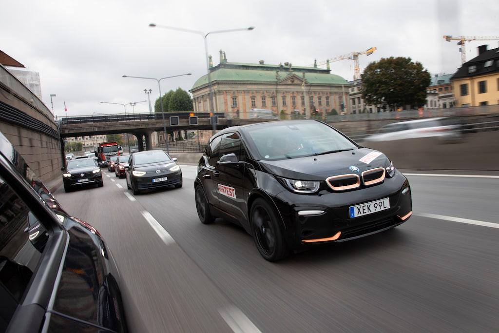 Testbilen är i det iögonfallande Edition Roadstyle-utförandet som ger svarta fälgar och kopparfärgade inslag.