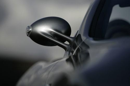 Aerodynamiska men framför allt väldigt vackra backspeglar.