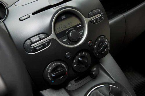 Solid Mazda-känsla i allt det svarta.