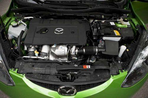 Dieseln är på 1,6 liter och klarar sig på 0.42 liter per mil.