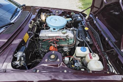 Lennart Hanssons bil är i ett makalöst skick, vilket inte minst syns i motorrummet. 18R-C-motorn ger 86 hästkrafter.