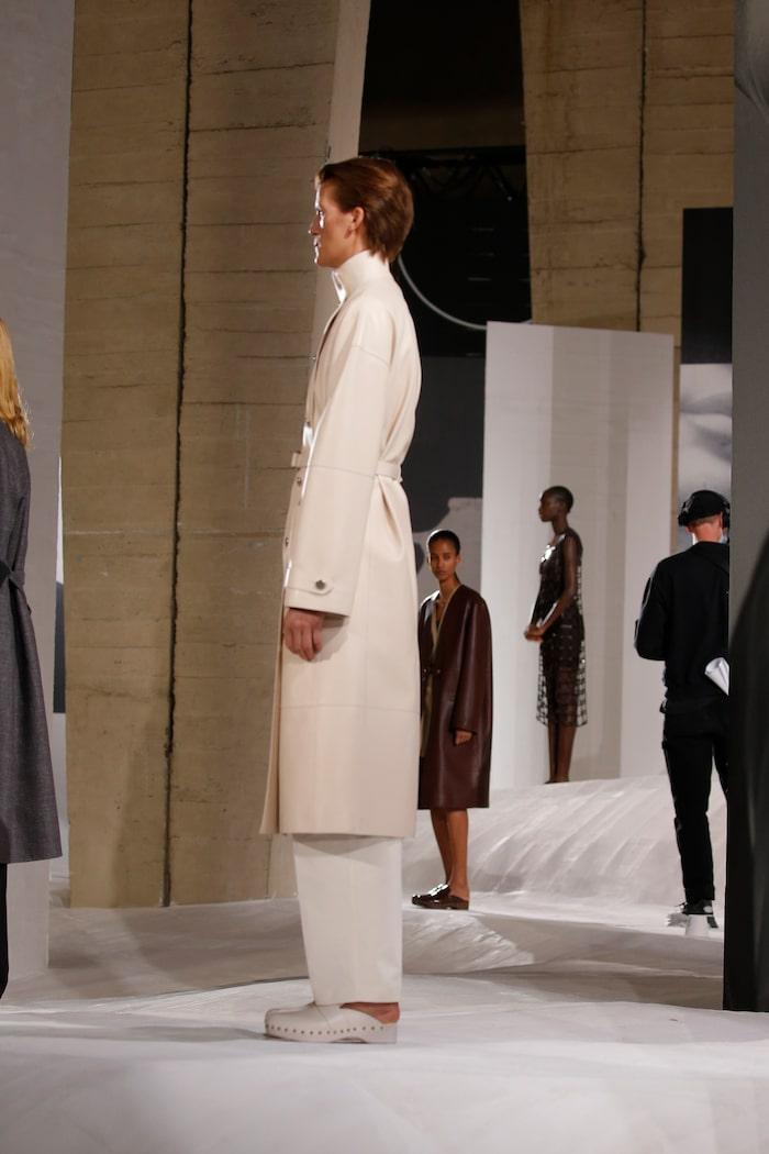 Vårens comeback: träskor hos Hermès.