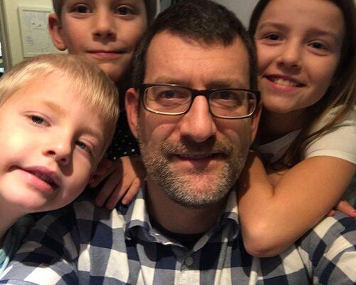 Daniel Wieselberg och barnen Lukas, Leo och Julia.