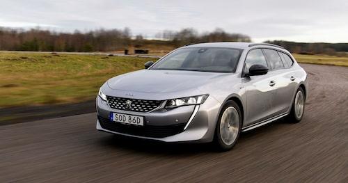 Kul att Peugeot törs ta ut svängarna rent designmässigt. Test av bilen läser du i nästa nummer.
