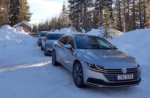 Att lära sig mer om däck och vinterkörning, genom att köra bil i skogarna runt Arvidsjaur, står på schemat. Du kan bli en av vinnarna som får hänga med!