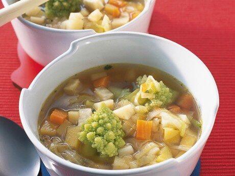 Fyllig soppa av rotfrukter
