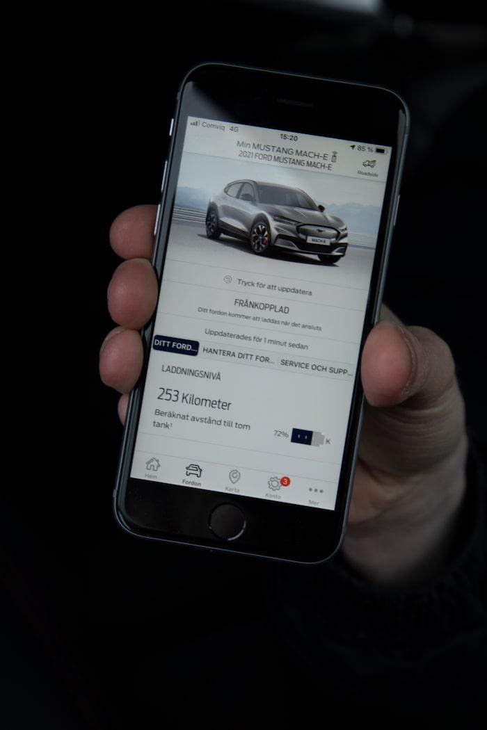 Med appen går det att styra flera funktioner. Mobilen kan användas som nyckel.