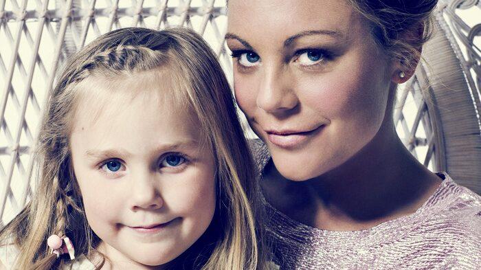 Emma Igelström med dottern Olivia, 5 år.