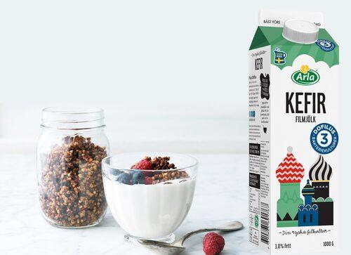 Fyll på med goda bakterier under dagen. En skål filmjölk funkar bra som lunch och mellanmål!