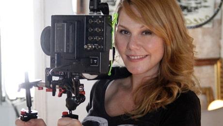 """""""Självklart är barnen inte med när vi filmar"""", säger porrfilmsproducenten och tvåbarnsmamman Erika Lust."""