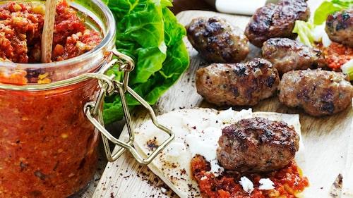 Recept på paprika- och valnötsröra.
