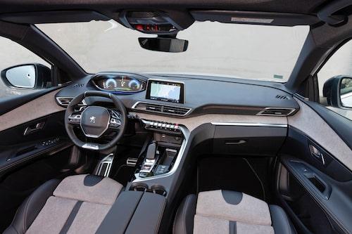 Lätt ansiktslyfta 3008 kom för ett år sedan och laddhybriddrivlinan är ett välkommet tillskott för att bilen ska bli attraktiv som tjänstebil.