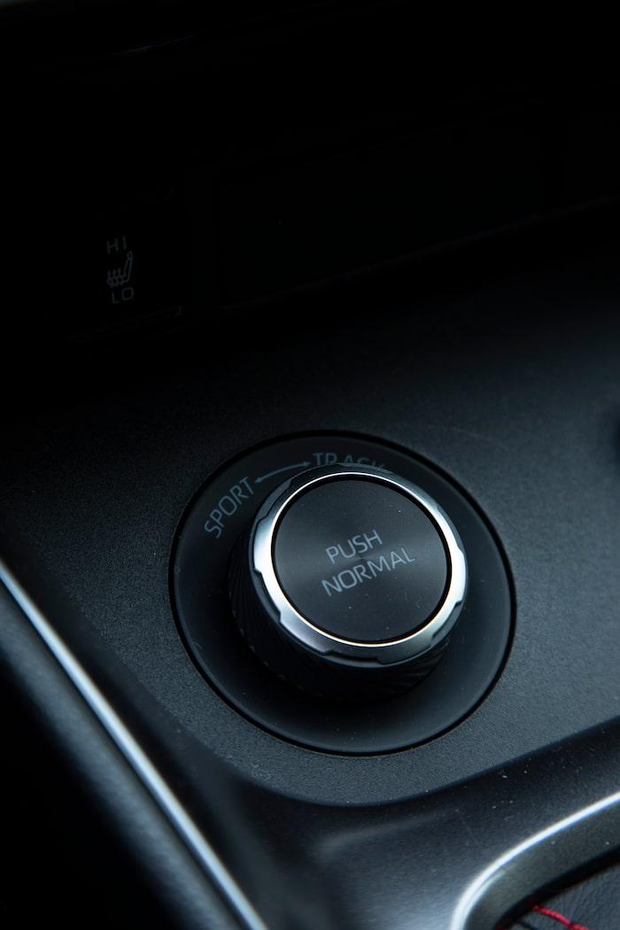 Vrid till vänster för 30/70-kraftfördelning och kraftigt ökad körglädje.