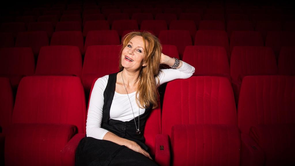 Skådespelaren Maria Lundqvist är aktuell i den andra säsongen av serien Bröllop, begravning och dop på TV4 och Cmore.