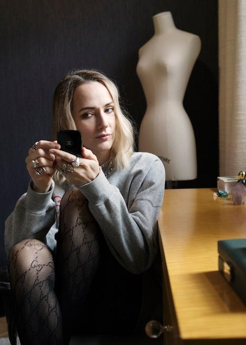 Maria Nilsdotter gillar sminket från Westman Atelier.