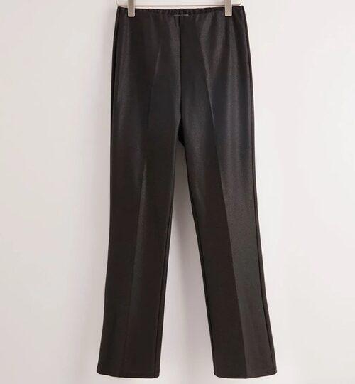 Dressade (bekväma!) kostymbyxor från Lindex. Klicka på bilden och kom direkt till produkten.