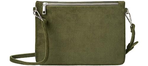 Liten grön väska från Carin Wester i fuskskinn. Klicka på bilden och kom direkt till väskan.