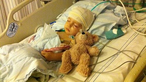 Sommaren 2010 drabbades ettåriga Manne av en hjärntumör.