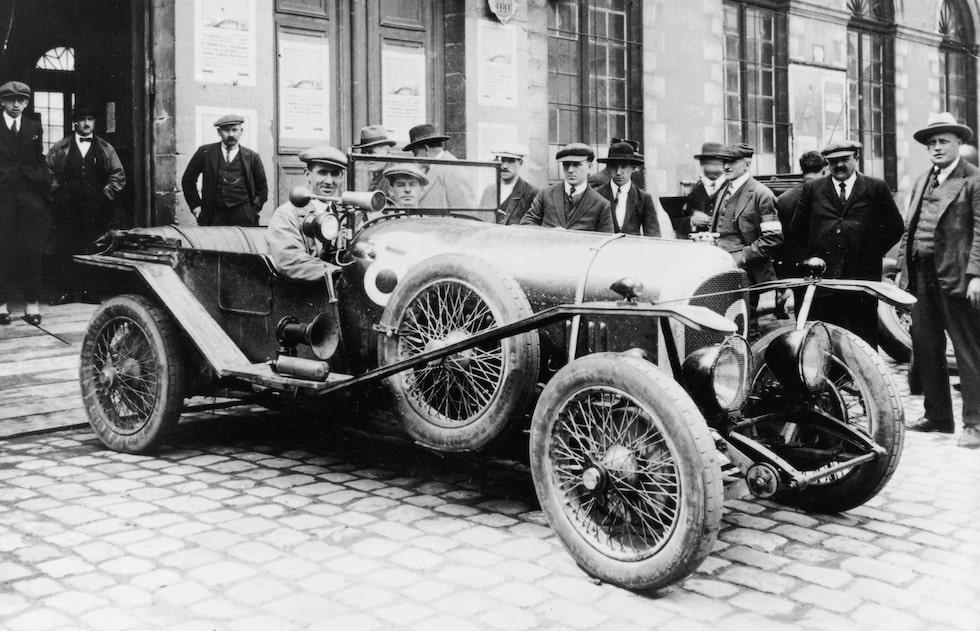 Bentley 3-Litre vann loppet 1924. Här med förarna John Duff and Frank Clement.
