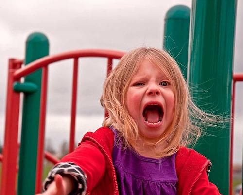 En viktig del i lågaffektivt bemötande är att reglera sin egen affekt eftersom vi lätt smittas av varandras känslor. Ett ilsket bemötande av ett barn som är argt kan till exempel ge ännu mer ilska.