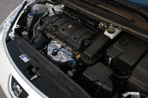 Med en E85-förbrukning norr om litern per mil blir det tätt mellan mackbesöken.