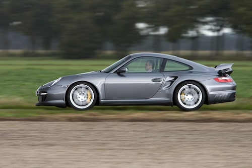 Fem millimeter högre än GT3 men 25 lägre än Turbomodellen.