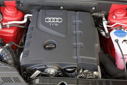 Nya 1,8 TFSI har turbo och direktinsprutning. Mycket stark och snål, 0,71 l/mil.