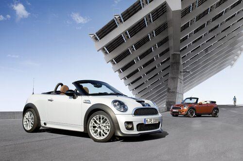 Kompletterar redan befintliga Mini Cabrio som du ser i bakgrunden.