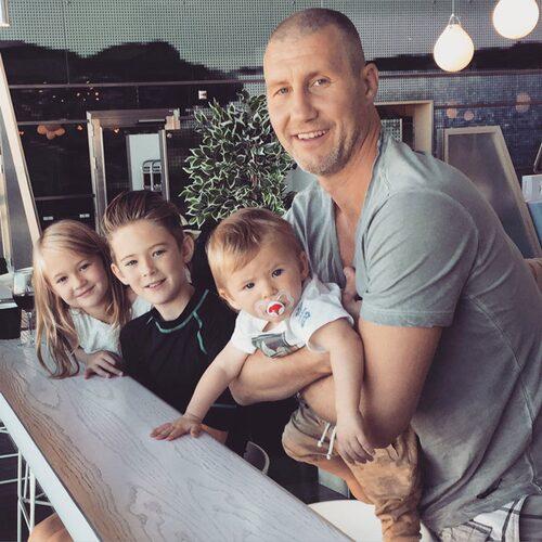 Linda är gift med Thomas som hon har barnen Lilian, 7, Elis, 11, och Will, 1, med. Foto: Privat