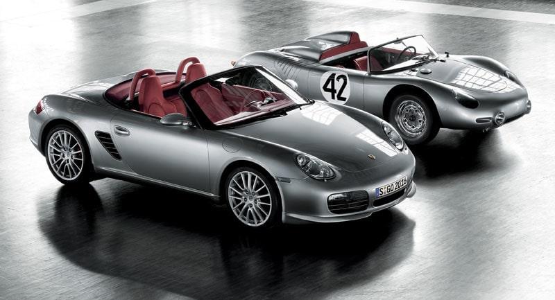 Porsche Boxster RS 60 Spyder bredvid sin föregångare 718 RS 60 Spyder.